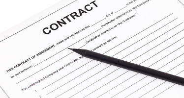 Contratto d'opera professionale: legittima la clausola di copertura finanziaria