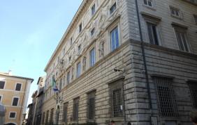 Organismo di diritto pubblico avente la forma della Spa: competenza dell'Amministratore delegato in materia di esclusione dalla gara