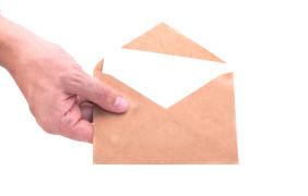 """Ricorso introduttivo del giudizio tributario: """"no"""" alla notifica a mezzo posta effettuata da licenziatario privato"""