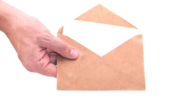 Notifica a mezzo raccomandata: non occorre relata, la data cui fare riferimento è quella dell'avviso di ricevimento