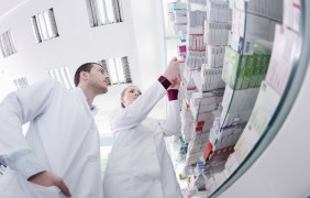 Iva delle Farmacie: la vendita di dentifrici è soggetta all'aliquota del 10% anche se considerati dispositivi medici