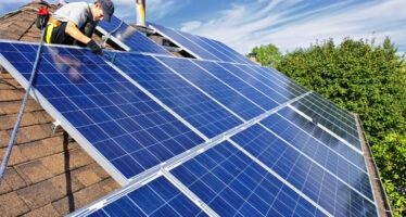 Efficientamento energetico e sviluppo territoriale sostenibile: in G.U. la disciplina dei contributi per finanziare le opere realizzate dai Comuni