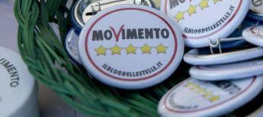 M5S, eletti spaccati in assemblea: con Grillo o con Conte?