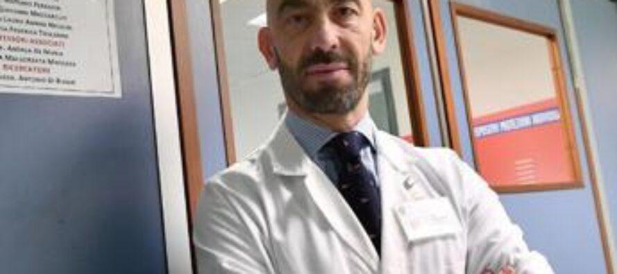 """Covid, Bassetti: """"Basta politicizzarsi, la scienza non deve prendere i voti"""""""