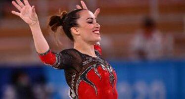 Vanessa Ferrari argento alle Olimpiadi, Bocelli le scrive