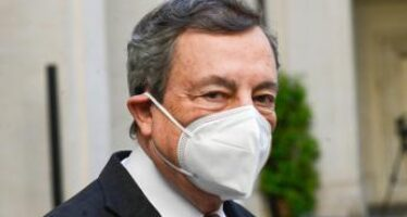 """Reddito di cittadinanza, Draghi: """"Presto per dire se verrà riformato"""""""