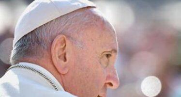 """Papa, l'anatema: """"Detestabile l'ipocrisia nella Chiesa"""""""