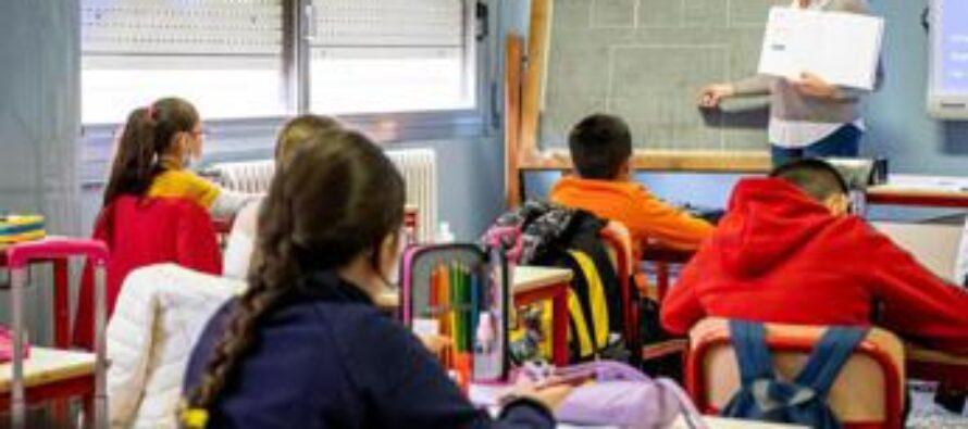 Green pass scuola, stop stipendio docenti dopo 5 giorni di assenza