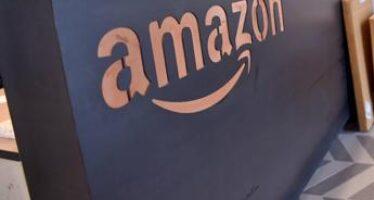 Amazon aumenta lo stipendio d'ingresso: +8% lordo