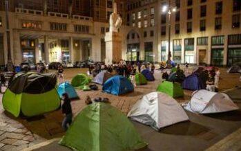 Clima, attivisti occupano Piazza Affari
