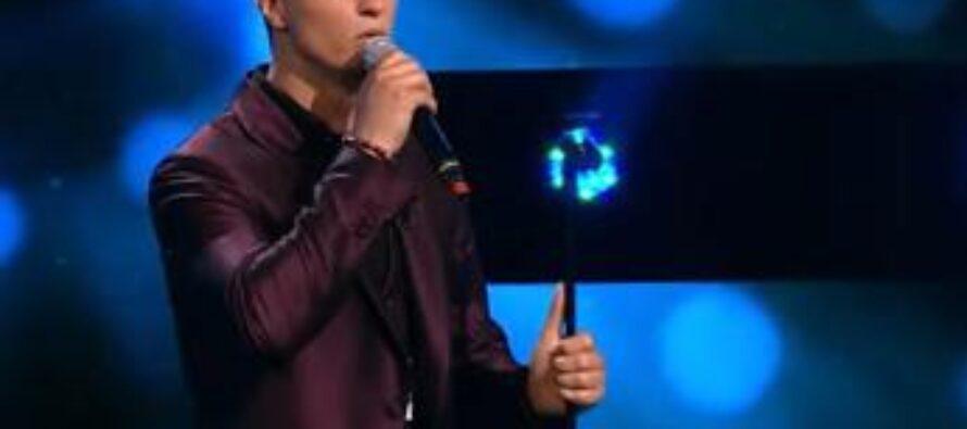 X Factor, un italiano (in)canta in Romania: chi è Nick Casciaro – Video