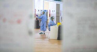 Covid oggi Lombardia, 136 contagi e 4 morti: a Milano 31 casi