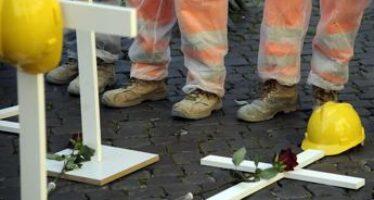 Morti sul lavoro, oggi altre tre vittime