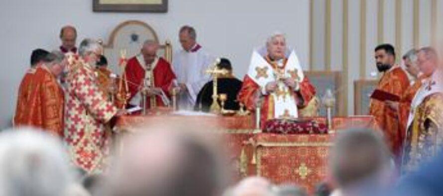 Covid, positivo arcivescovo Babjak: ha concelebrato col Papa