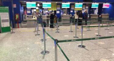 Alitalia, selfie e foto tra passeggeri per l'ultimo volo