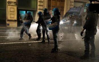 """Vicequestore No Green Pass: """"Punire poliziotti che hanno picchiato manifestanti"""""""