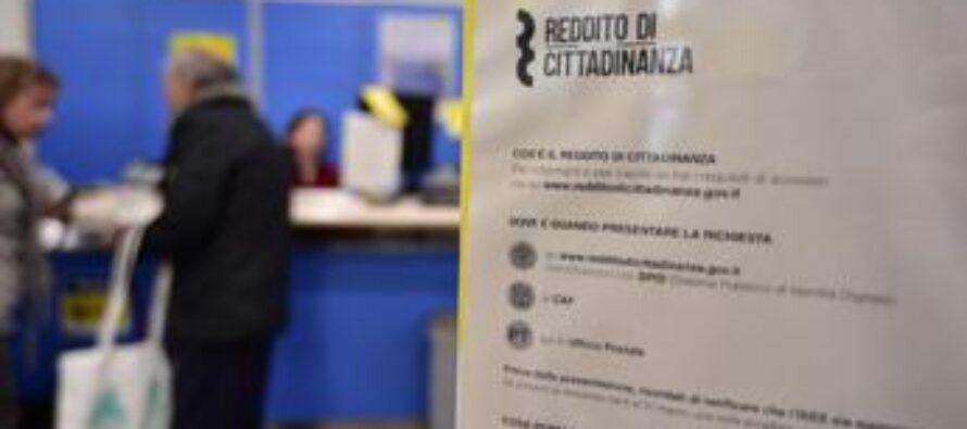 Documenti falsi per il Reddito di cittadinanza, 50 denunciati