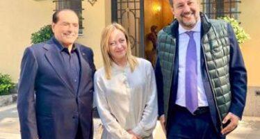 """Governo, Salvini: """"Parlo con Draghi e tengo centrodestra unito"""""""